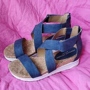 Womens Adrienne Vittadini blue wedges size 8